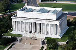 300px-Aerial_view_of_Lincoln_Memorial_-_east_side_EDIT